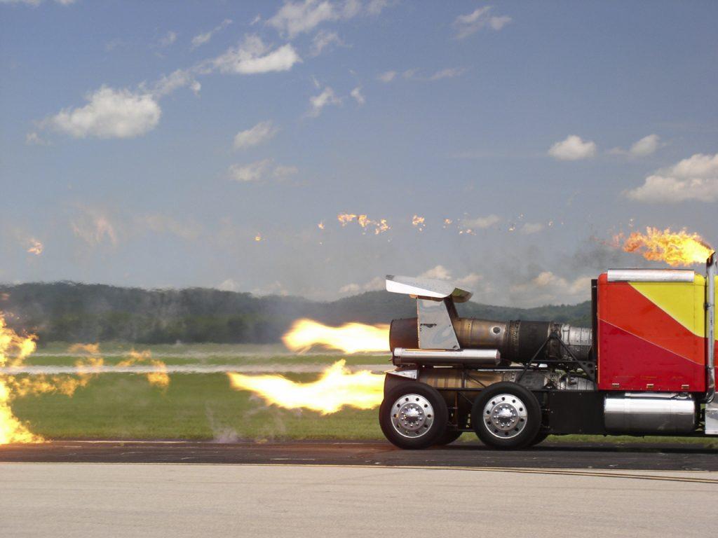 fast-truck-istock_000000241041_medium